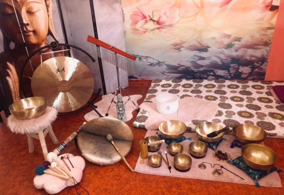 Vánoční meditační jóga a sound healing -terapie zvukem v Mandale