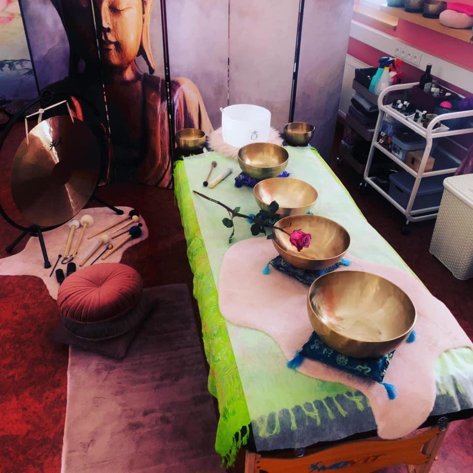 Tlaková masáž s reflexologii chodidel a sound healing /terapie zvukem
