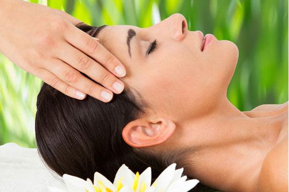 Antistresová masáž zad , hlavy , obličeje , ramen a šíje